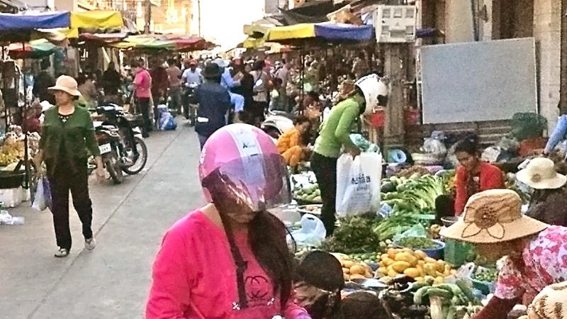 Kratie: street market